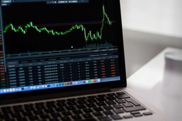 f5b70187be7fdd280ffadfe48058cc51 - Sollten man jetzt wirklich in die Börse investieren?