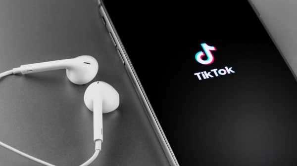 e06cdfc8bd4dd89c253d5d1f4a017929 - Audius wird erster Musikpartner bei TikTok – AUDIO-Kurs explodiert